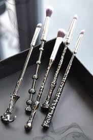 a review of some spectacular happy potter inspired wizard wand makeup brushes affordable yet amazing high quality