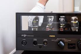 <b>Ламповый усилитель для наушников</b> Fostex HP-V8 у нас в салоне