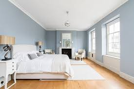 a more serene and soothing approach to the blue and white bedroom design