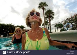 Aug 19, 2004; Miami, FL, USA; DORIS BIER warms up during a water ...