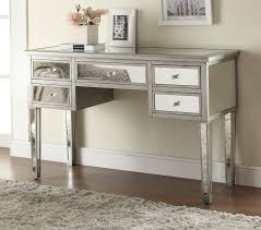 Modern Simple Bedroom Vanity Dominated White Colour Decorated