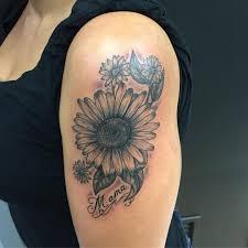 фото тату ромашек с надписью на плече девушки фото рисунки эскизы