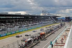 Vettel ändert seinen namen, mercedes in rot, schumacher verweigert abstieg zu ferrari. Formula 1 Aramco Eifel Grand Prix 2020 Nurburgring
