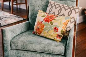 how to paint fabric with dixie belle paint