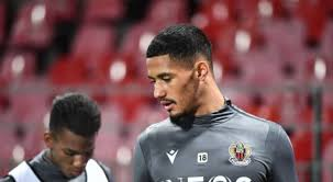 William is currently on loan at nice where he'll spend the rest of the season before rejoining arsenal in the. Arsenal Debtor William Saliba Suffers A Nightmare Loss On His Debut In Nice Soccer Sports Jioforme