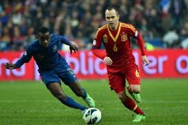 Respect! Andres Iniesta gets clapped off by French fans