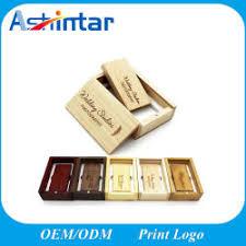 <b>Wooden USB Flash Drive</b>