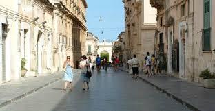 Risultati immagini per immagine di noto centro storico