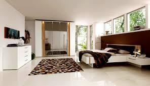 Schlafzimmer Gestalten Brauntöne Längliches Schlafzimmer Gestalten