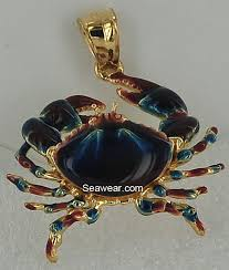 14k gold crab pendant with