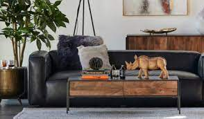 Its round table top provides a stable and secure surface on which you can place your drinks, vases, fruit bowls or ornaments. Condo Size Coffee Table