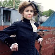 victorian photo shoot done a while back makeup hair styling by me model