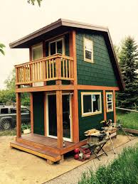 Craftsman Style Tiny House With Red Accents Tiny House Interiors - Craftsman house interiors