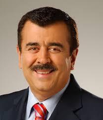 Javier Hernandez Bonnet ha amanecido enfermo el dia de hoy porque le fue suministrado laxantes y purgantes en sus bebidas para evitar que narre el partido ... - javier-hernandez-bonnet-207