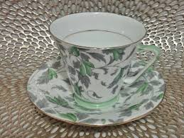Decorative Cup And Saucer Holders Royal Grafton Great leaf and Green Chintz Design Tea Cup and 8