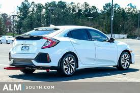 2017 Honda Civic Hatchback LX Manual - 17414910 33  V