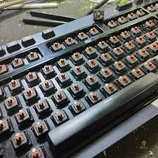 Cách xử lý bàn phím cơ bị đổ nước dễ thực hiện tại nhà - Restore.vn