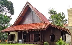 Rumah adat betawi atau yang biasa disebut rumah kebaya merupakan rumah asli suku betawi atau suku asli jakarta. Lengkap Beserta Penjelasan Rumah Adat Dki Jakarta Rumah Kebaya Budaya Nusantara
