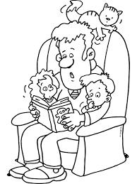 Kleurplaat Vader Leest Voor Uit Een Boek Kleurplatennl
