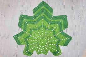 green leaf shaped crochet doily rug