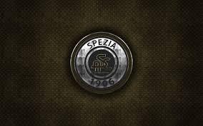 Scarica sfondi Spezia Calcio, il calcio italiano di club, marrone,  struttura del metallo, logo in metallo, emblema, La Spezia, Italia, Serie  B, creativo, arte, calcio, Spezia FC monitor con risoluzione 2560x1600.  Immagini