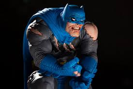 Dc Designer Series Batman Limited Edition Statue Frank Miller Frank Millers Batman Comes To Life As New Designer Series