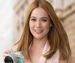 Fans took to twitter to gush over the pair when dominic posted a throwback photo with bea from a trip to tokyo, captioned: Bea Alonzo Biography Facts Childhood Family Achievements Of British Filipino Actress Model Singer