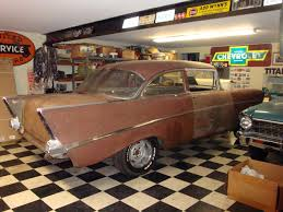 Vintage Chevy show cars, vintage Chevy car showroom, classic Chevy ...