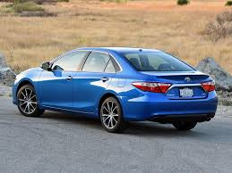 nydn 2017 toyota camry xse blue rear quarter left