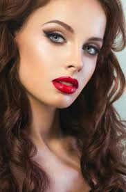 smoky cat eye and red lip makeup idea