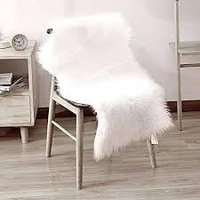 round fur rug