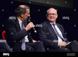 Rom, Italien. Oktober 2021. Beppe Sala (links) und Roberto Gualtieri  (rechts) Quelle: Independent Photo Agency/Alamy Live News Stockfotografie -  Alamy