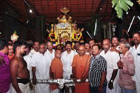மண்டைக்காடு பகவதி அம்மன் கோவில் தங்க ரதம் ஒப்படைப்பு