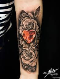 розы и алмаз сердце на предплечье добавлено кирилл самарин