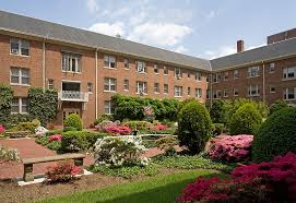 kew gardens apartments courtyard in washington dc
