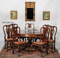 Pineapple Pedestal Dining Table And Chairs