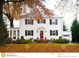 White Home With A Red Door Stock Photo 27413746 - Megapixl