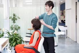 美容院で有名人と同じ髪型を注文するのはどんな人 Fumumu
