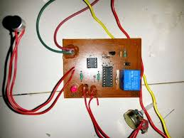simple clap switch circuit electronic circuit projects the pcb design track layout for the above can be seen below as designed by mr ajay