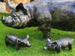 home garden piglet whilton locks