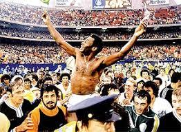 Resultado de imagem para fotos do milésimo gol de Pelé