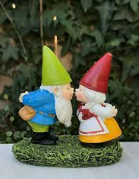 details about miniature dollhouse fairy garden figurine kissing gnome couple valentine s day