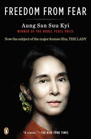 dom from fear and other writings aung san suu kyi michael   dom from fear and other writings aung san suu kyi michael aris vaclav havel desmond m tutu 9780141039497 com books
