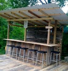 diy pallet patio bar.