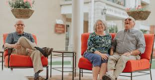 Key Differences Between a Nursing Home and a Retirement Community -  Pleasant View