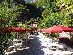 Cascate Da Giardino In Pietra Prezzi : Parco grotta cascata del varone riva garda