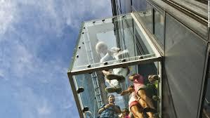 willis tower s frighten tourists but officials say no danger cnn travel