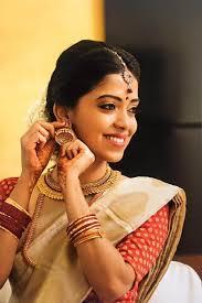manjusha bajaj professional airbrush makeup artist bangalore