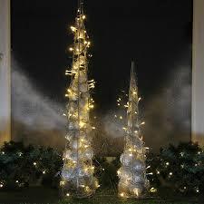 Pyramide 90 Cm Mit 60 Led Beleuchtet Metall Draht Silbern Weihnachten