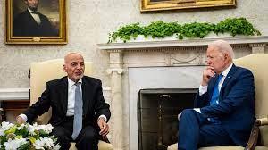 بايدن يعد الرئيس الأفغاني باستمرار الدعم الأمريكي لبلاده